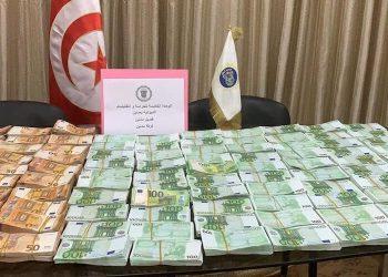 مصالح الديوانة تحبط عملية تهريب 1 مليون أورو من العملة