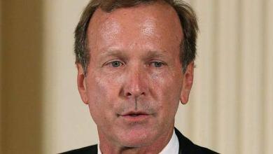 الكشف عن دفع مبلغ 300 ألف دولار لشقيق جورج بوش في تحقيقات قضية OneCoin