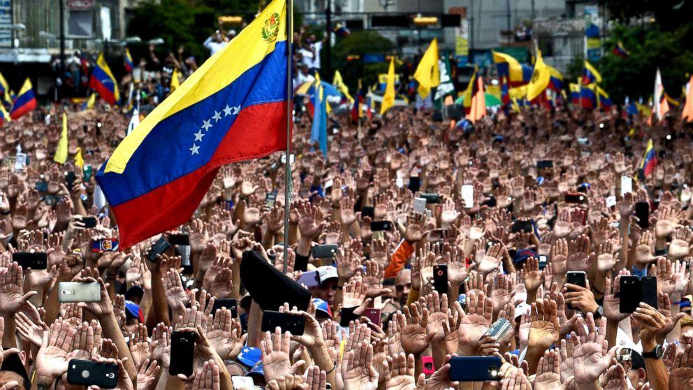 الفنزويليون يبتكرون طريقة جديدة لإرسال العملات الرقمية بدون أنترنت