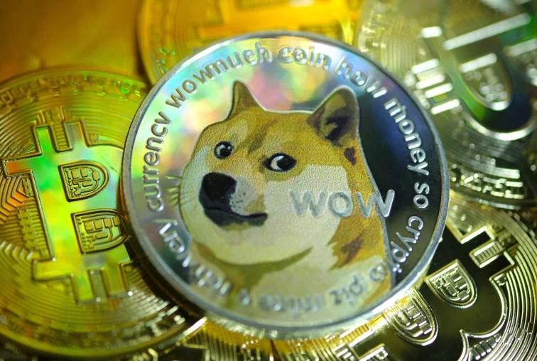 """عملة Dogecoin تخيب الآمال وتنخفض بنسبة 22٪ بعد """"يوم DOGE"""" المنتظر!"""