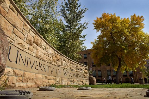 """جامعة أمريكية تقرر تخصيص 4 مليون دولار لتحصيص """"ستاكينغ"""" ثلاث عملات رقمية…تعرف عليها!"""