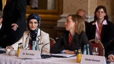 """Photo of مؤتمر الإسلام الألماني يشهد واقعة غريبة بطلها """"لحم خنزير""""!"""