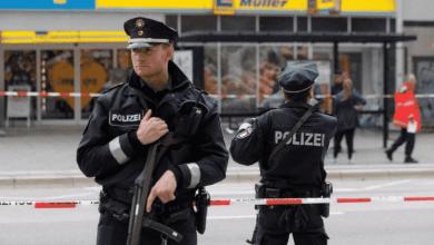 Photo of ألمانيا بعد انتحال صفة عناصر شرطة قام سوريان بـ طعن شاب ألماني بالسكين