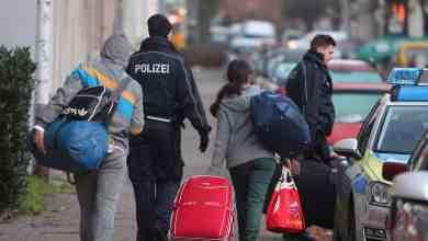 Photo of ألمانيا تقرر استجواب 91 ألف طالب لجوء معظمهم من اللاجئين السوريين