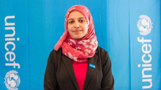 ناشطة سورية تفوز بجائزة ألمانية دولية و تحصل على آلاف اليوروهات ووسائل الإلعام تحتفي بها