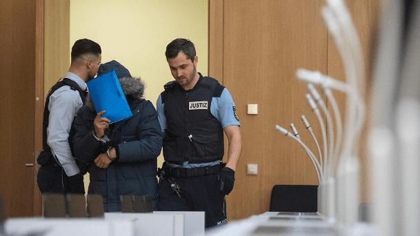 وكالة الأنباء الألمانية سجن سوري مدى الحياة في ألمانيا لارتكابه مذبحة في بلاده
