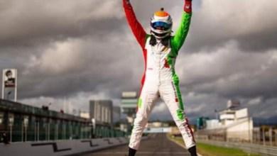 صورة السائق المغربي مهدي بناني بطل أوروبا 2020 لسباق السيارات
