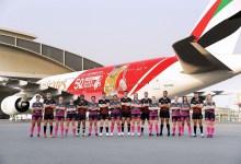 Photo of ملصق بطولة طيران الامارات لسباعيات دبي للرجبي على طائرة A380 جديدة
