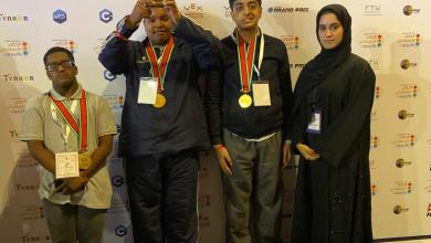 "Photo of 3 طلاب من مركز أصحاب الهمم بدبي ينالون جائزة الحكام بمشروع ""عبور المشاة الذكي"""