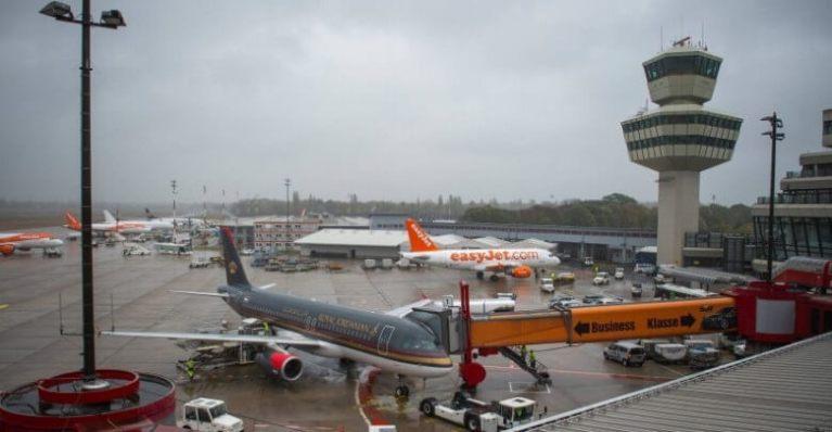 توقف حركة الطيران في مطار تيغل في برلين دقائق بعد مشاهدة طائرة مسيرة