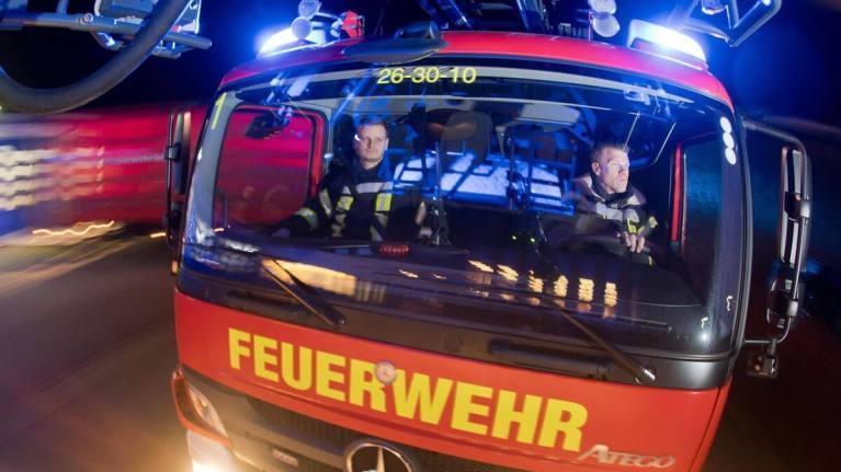النيران تقتضمُ مبنى سكني في مدينةٍ ألمانية