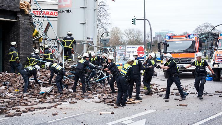 انهيار جزء من مبنى في مدينة ألمانية