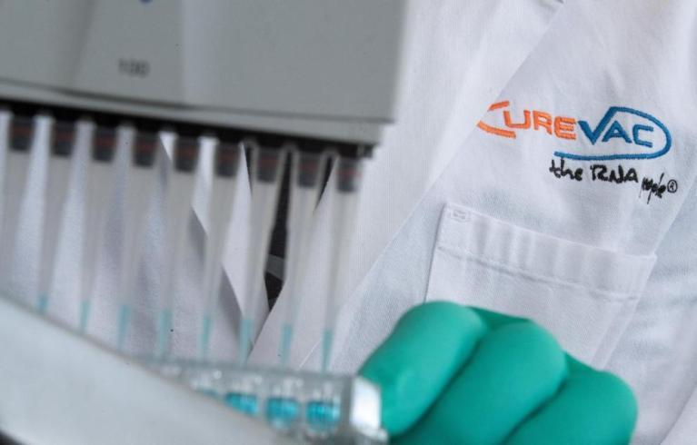 صحيفة ألمانية تتحدث عن موعد تقديم شركة ألمانية للقاح كورونا