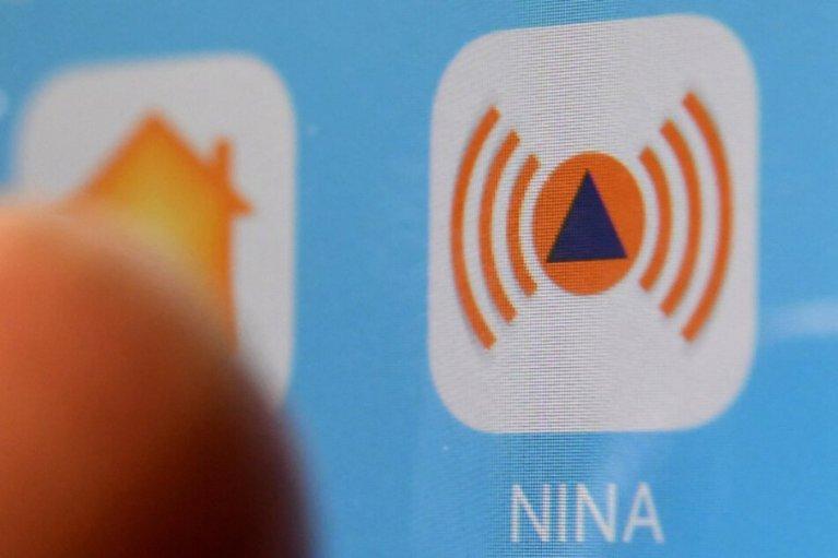 وزير داخلية ولاية ألمانية ينصح بتثبيت تطبيق هام على هاتفك في ظل وباء كورونا
