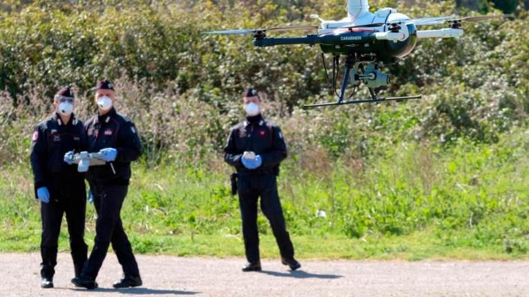 بالطائرات بدون طيار نقابة الشرطة الألمانية تدعو لرصد قيود الخروج في أزمة كورونا