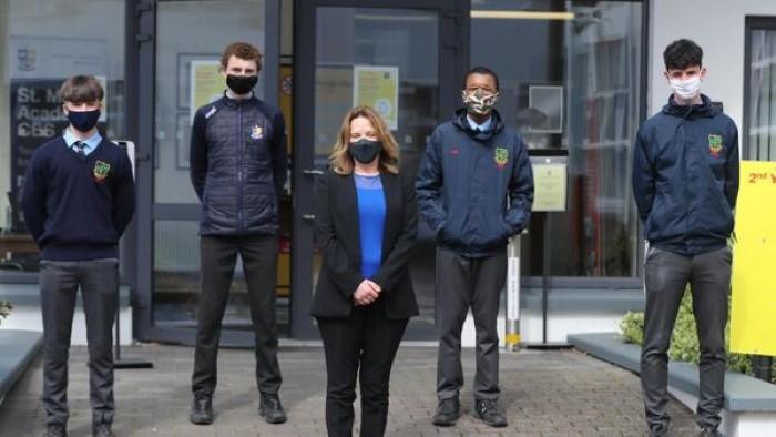 عودة الطلاب في أيرلندا إلى الصفوف الدراسية