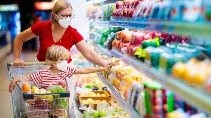انخفاض أسعار البقالة وتراجع مبيعات السوبر ماركت إلى 2.8 مليار يورو مع إعادة فتح الاقتصاد