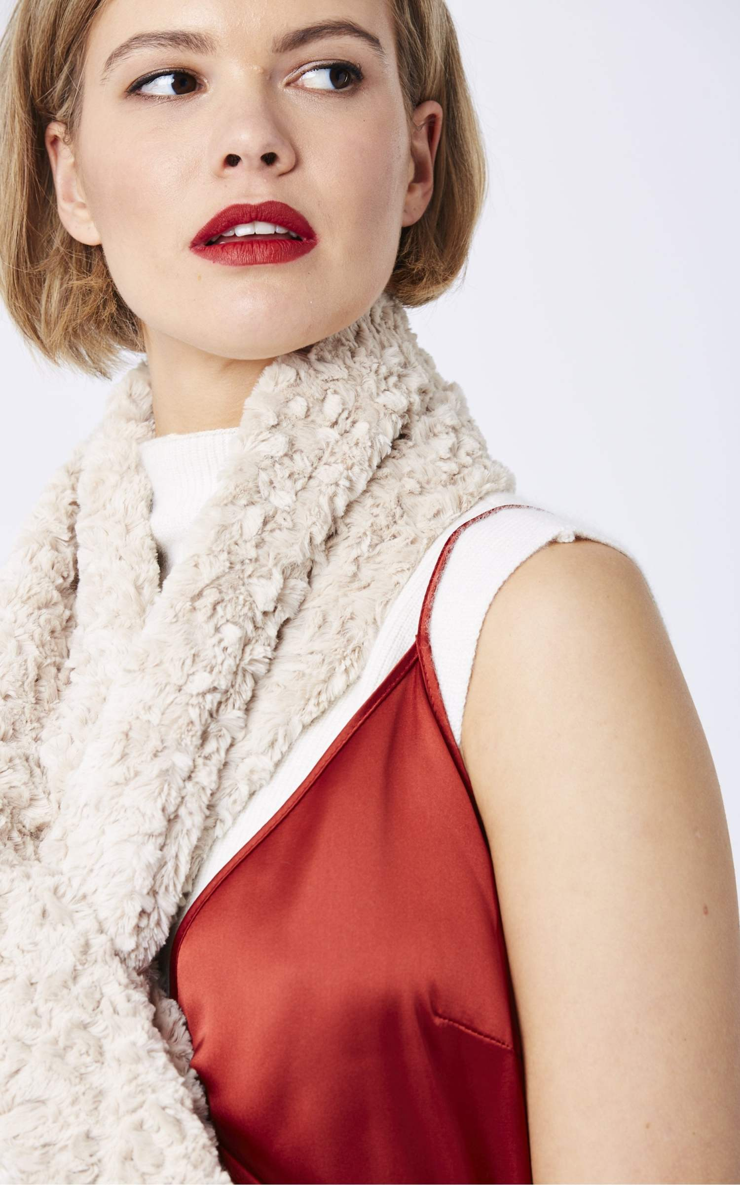 jayley-faux-fur-scarf-p1189-18605_zoom