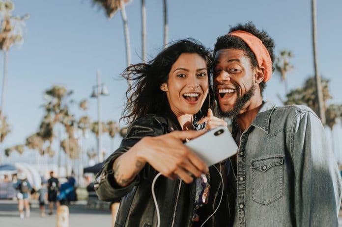 أفضل التطبيقات لأخذ وتحرير الصور الشخصية (ANDROID و IOS) لعام 2020