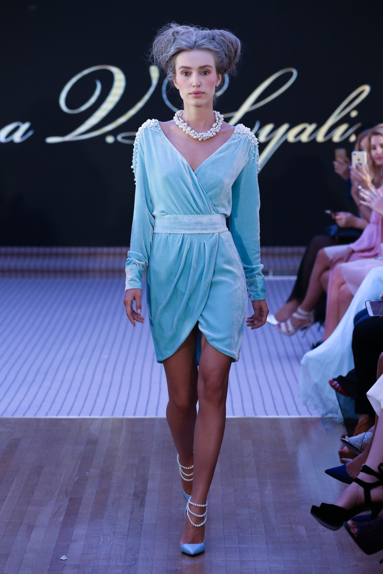 Tatiana V.LyalinaResort Fall Winter 2018 CollectionDubai Fashion Week