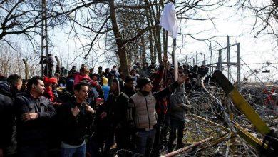 صورة بالفيديو ..مقتل سوري على الحدود ما بين النفي اليوناني وتأكيد اللاجئين … ومحاولة اغراق قارب للمهاجرين