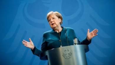 صورة ميركل تدعو الاتحاد الأوروبي بدعم اليونان بشأن موريا