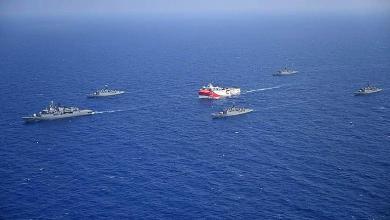صورة تدريبات عسكرية تركية بالذخيرة الحية في البحر المتوسط