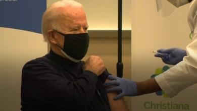 صورة فيروس كورونا: بايدن يتلقى الجرعة الاولى من لقاح كوفيد-١٩ ويطمئن الامريكيين