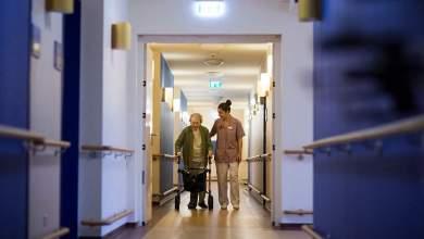 صورة اليونان : إعطاء جرعة معززة ثالثة للفئات المعرضة لخطر العدوى لسن 60 عامًا