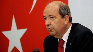 صورة زعيم القبارصة الأتراك يطالب بالسيادة و الحقوق على بحر إيجة