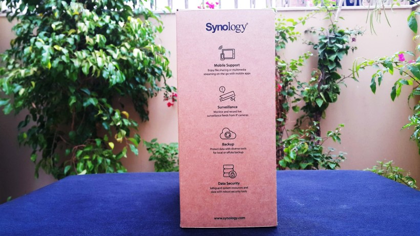 Synology Diskstation DS216Play Box Left