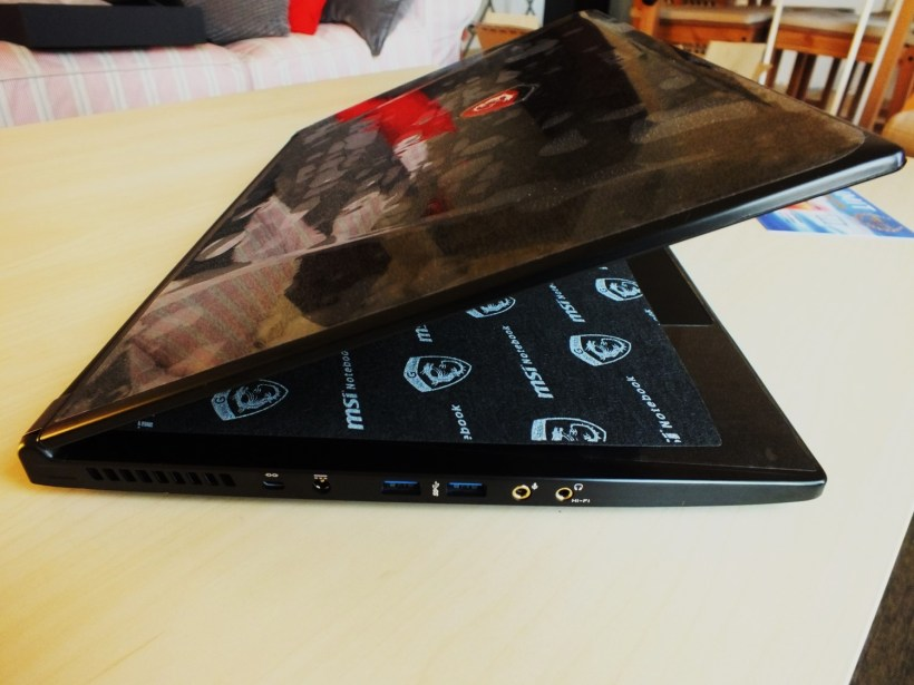 14- MSI GS60 6QE Ghost Pro Left Side