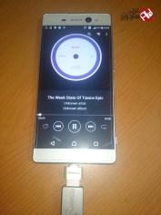 الاستماع للموسيقى من ذاكرة فلاش USB
