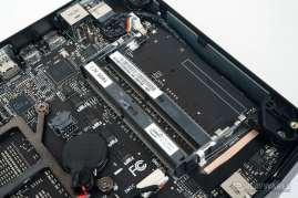 Intel-Hades-Canyon-NUC_Intel-Core-i7-8809G_AMD-Radeon-RX-Vega-M-GH_4-740x493