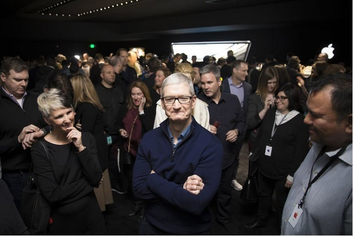 قيمة آبل السوقية ، Apple ، تريليون دولار