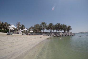 Traders Hotel Abu Dhabi Beach