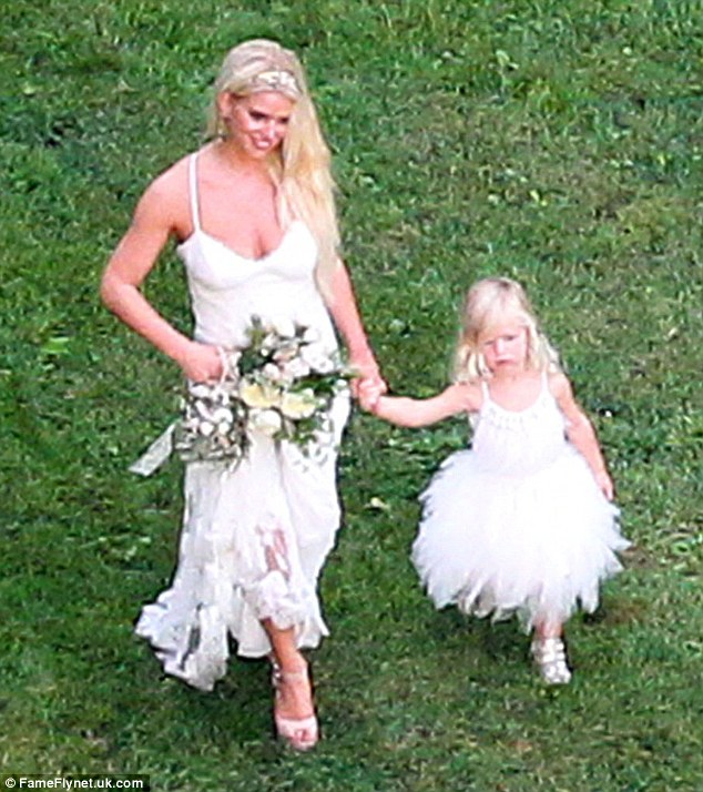 Ashlee Simpson and Evan Ross Wedding Pictures and Details  Arabia Weddings