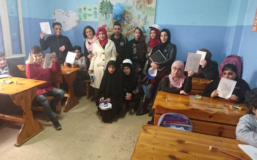 """متطوعو مؤسسة عامل وأطفال """"دار الحلم"""" في يوم فني في الشياح"""