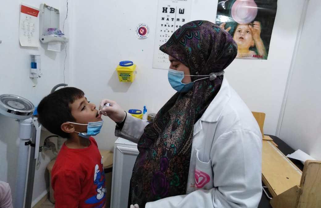 """انطلاق حملة تطعيم الأطفال في مراكز """"عامل"""" بالتعاون مع جهات محلية ورسمية"""