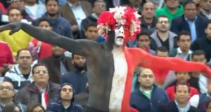 crazy-egyptian-fan