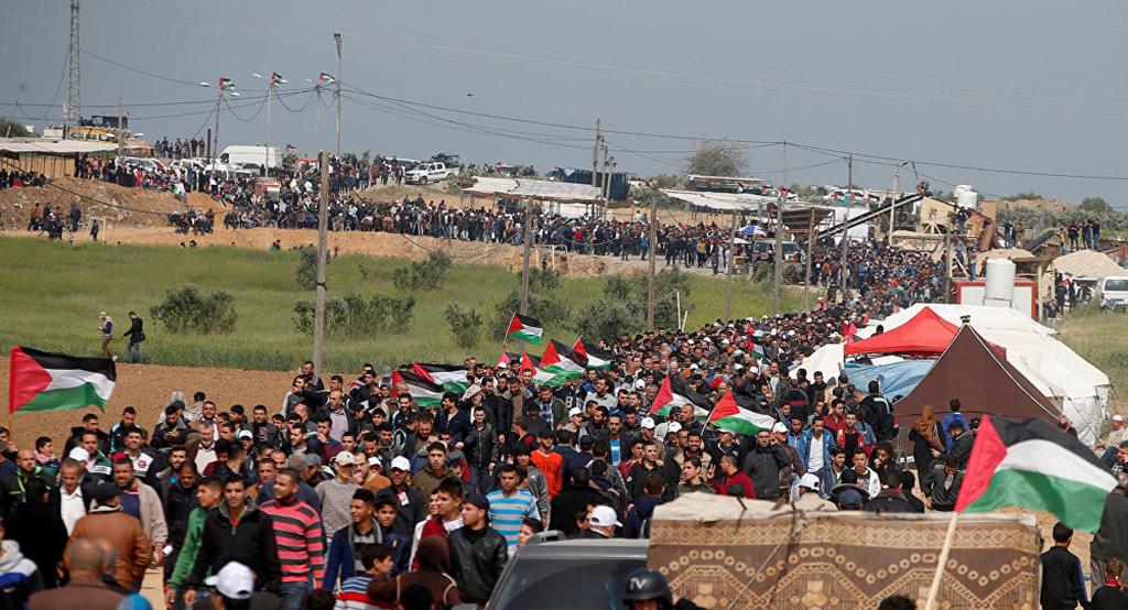 الفلسطينيون يستعدون للمشاركة في جمعة (التضامن مع الشعب الفلسطيني)