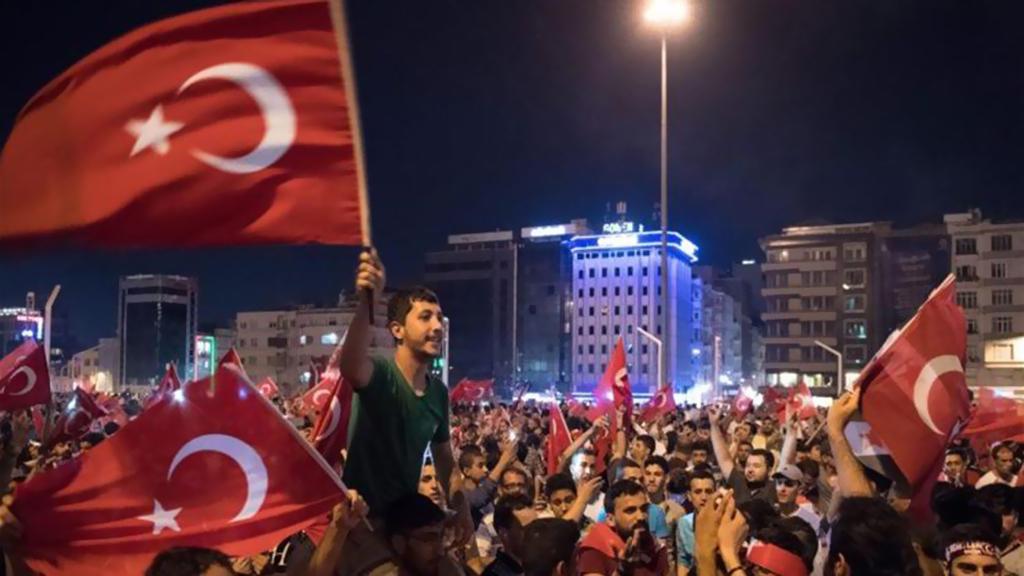 اعتقال 85 عسكريا لصلتهم بالانقلاب الفاشل في تركيا
