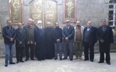 راعي أبرشية الروم الأرثوذكس في ريف دمشق يفتح الكنيسة لتقبل التعازي بالشهيد محمد ابوذياب