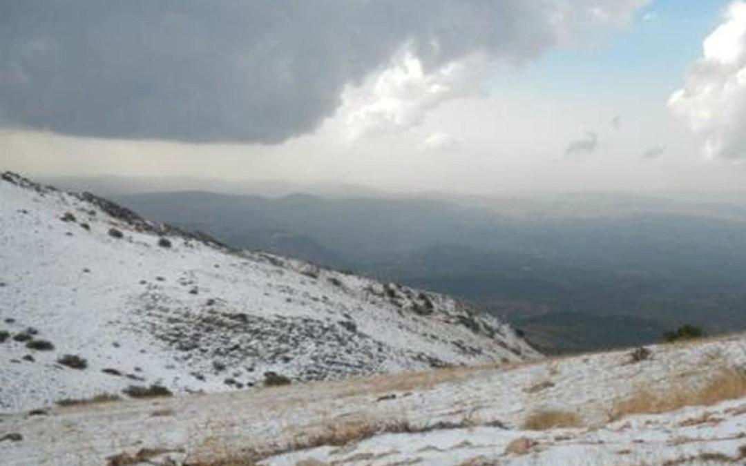 الطقس غائم الى ماطر والثلوج على 1400 متر