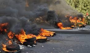 قطع طريق عاليه رداً على محاولة اغتيال رئيس حزب التوحيد العربي وئام وهاب من قبل فرع المعلومات