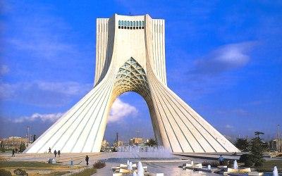 طهران تؤكد دعمها لحكومة مادورو وتدين التدخل الأمريكي بشؤون فنزويلا