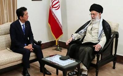 لقاء غير مسبوق بين المرشد الأعلى الإيراني ورئيس الوزراء الياباني آبي