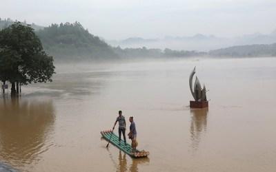 أمطار غزيرة أودت بحياة 12 شخصا جنوب الصين