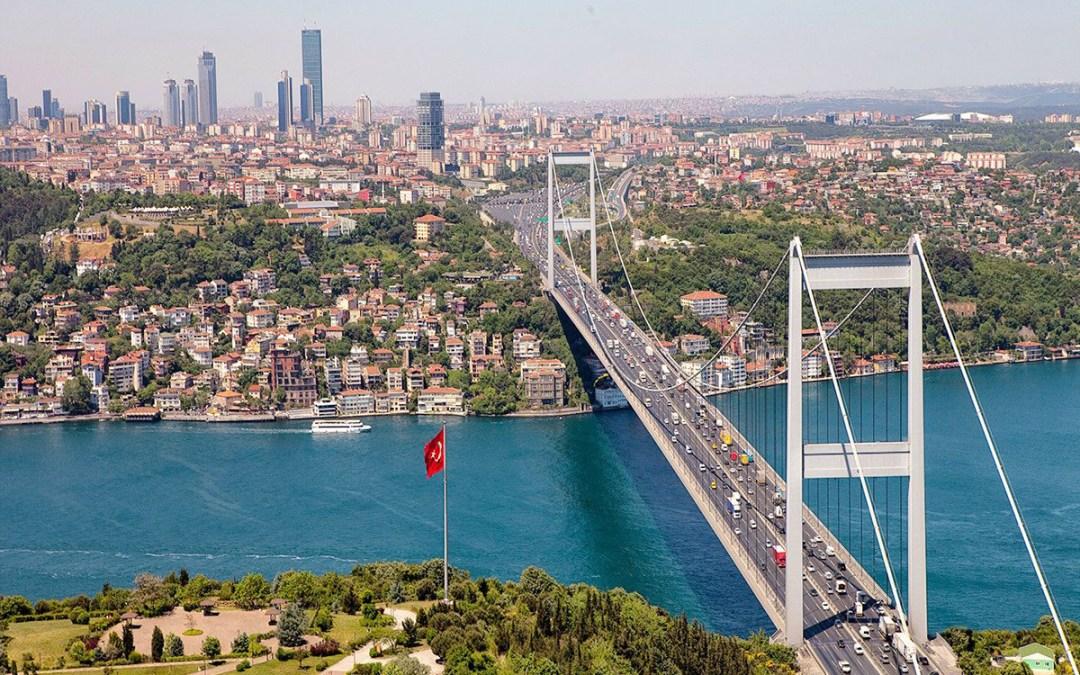 """الإيرانيون أكثر المستثمرين في تركيا.. و""""البطاقة التركوازية"""" طريقهم نحو الجنسية"""