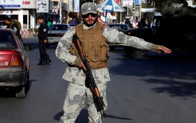 مقتل 25 من عناصر الأمن الأفغان في كمين نصبته طالبان